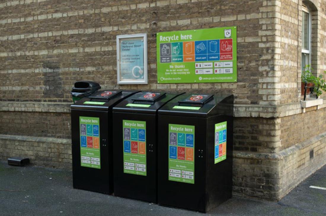 Flats recycling image - smaller bins